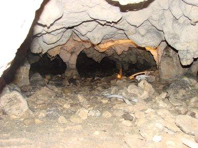 au fond de la grotte